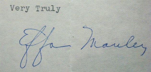 Effa Manley Signed Leter Closeup